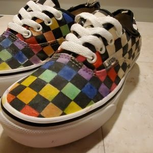 VANS CUSTOM SNEAKERS WOMANS SIZE 6 GUC
